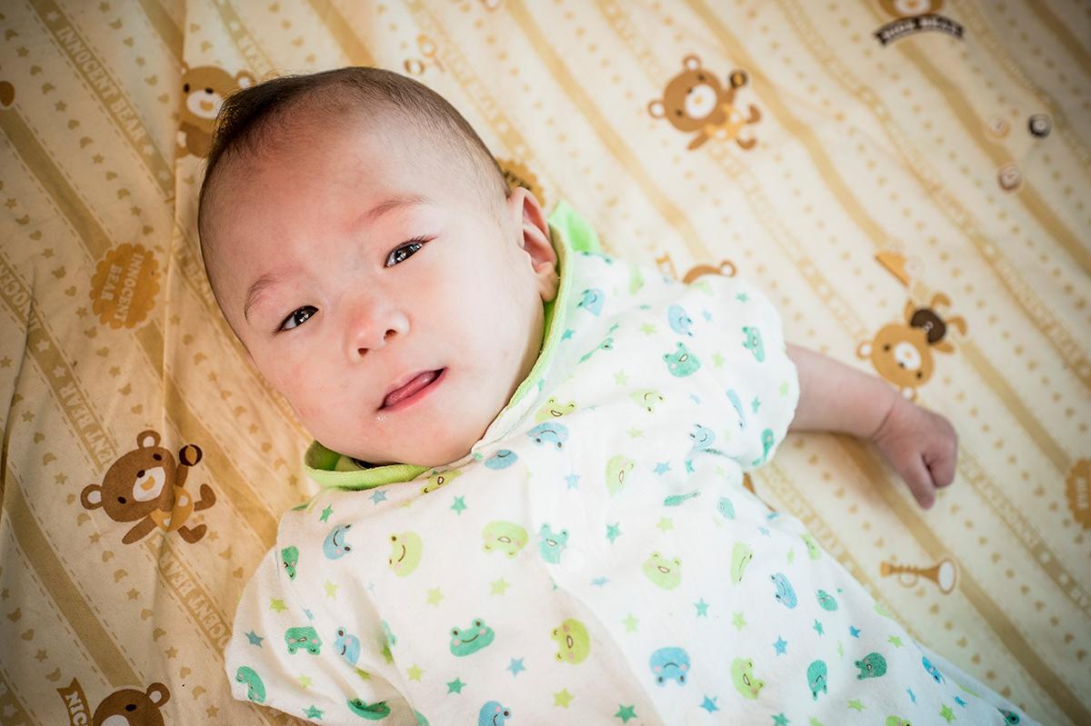 細い が 赤ちゃん 目